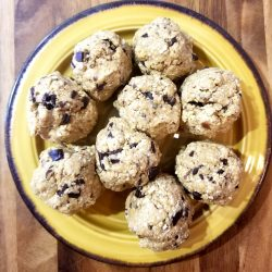 Coconut, Oat And Quinoa Flakes With Dark Chocolate Sunflower Seed Balls